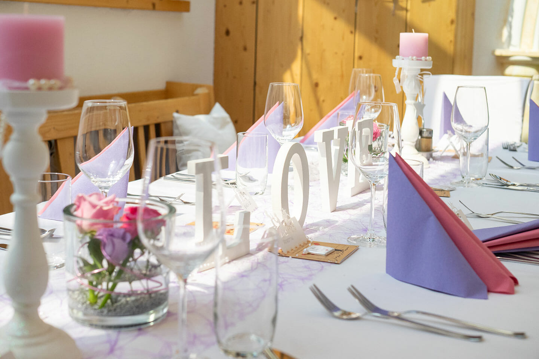 Hochzeit Heuriger Loiskandl Tischdekoration