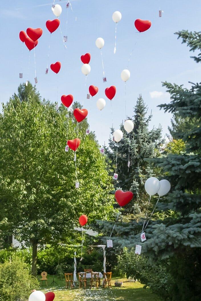 Gartenhochzeit Luftballons