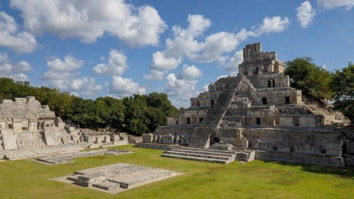 Edzna Pyramide Maya Yucatan