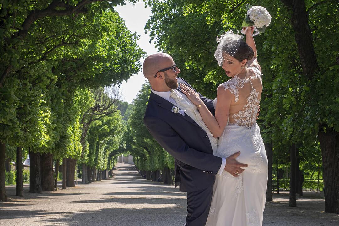Garten Schloss Schönbrunn in Wien Brautpaar After Wedding Shooting Brautpaar