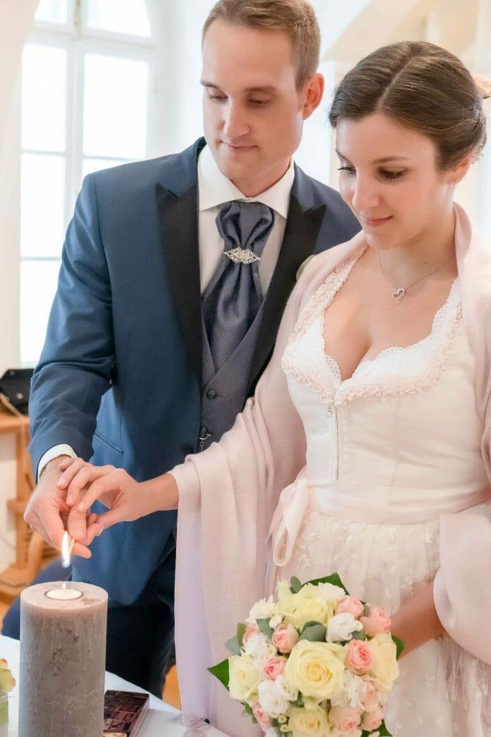 Brautpaar Standesamt Kerze