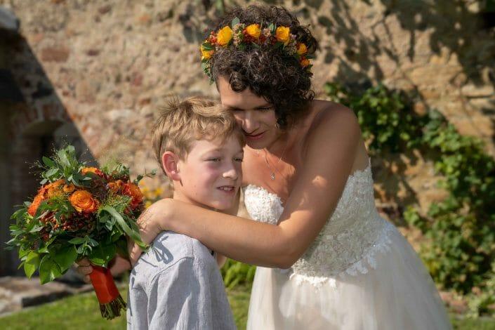 Braut mit Kind